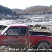 tn-coal-sludge-red-truck-200px.jpg